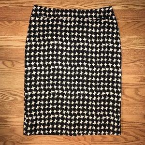 Talbots houndstooth knee length pencil skirt